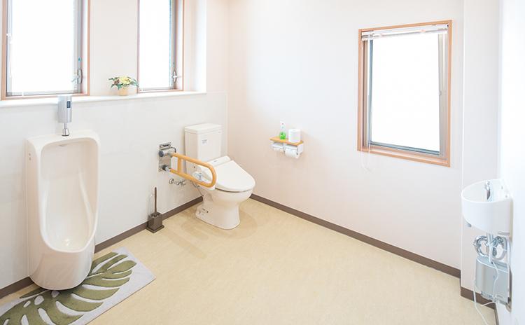 親族控室(トイレ)